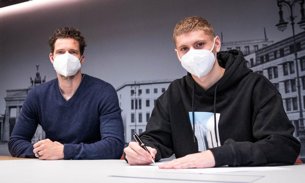 Hertha verlängert mit Dardai